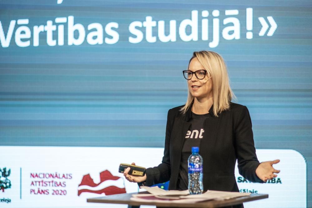 """Linda Saulīte konferencē """"Vērtības studijā!"""""""