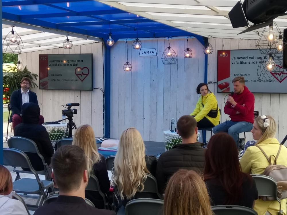 Diskusijas par DROSMI sarunu festivālā Lampa